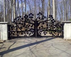 Ворота распашные «Древо»